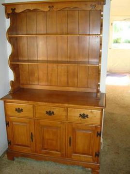 Dining room hutch with base cabinet comstock and coventry for Dining room hutch for sale