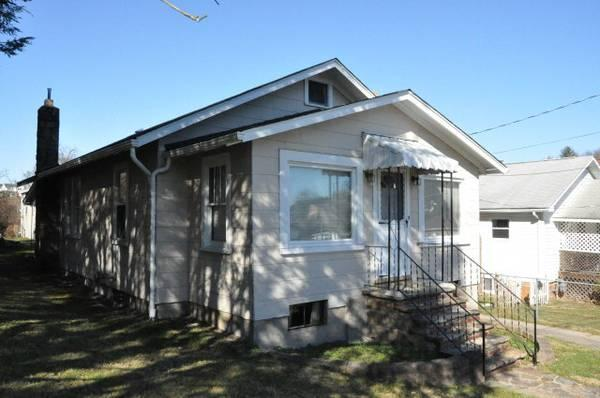 3br 1050ft 178 Buy This Home Rent Included Apt And Pay