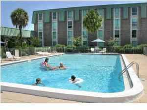 $775 / 1br - Carlton Palms 1bd/1bath (downtown)