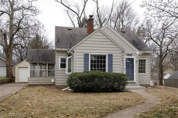 4br 1352ft Beautiful 4 Bedroom Home For Sale In Kalamazoo Mi For Sale In Kalamazoo