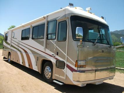 $79,900 2001 Tiffin Zephyr 450HP Cummins Turbo Diesel
