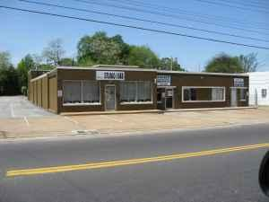 1000ft beauty barber shop 503 n hollywood for sale in memphis tennessee classified. Black Bedroom Furniture Sets. Home Design Ideas