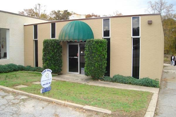 $795 / 1225ft² - DECREASED/ RENT OR PURCHASE