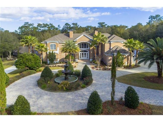 8 Bed 4 Bath House 901 LINCOLN RD