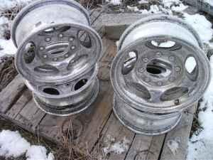 8 hole(lug) Alloy 16in x 8in Rims Dodge/chevy/ford - (Athol (carrywood)) for Sale in Spokane ...