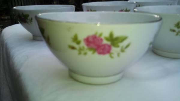 8 liling china rice bowls - $40