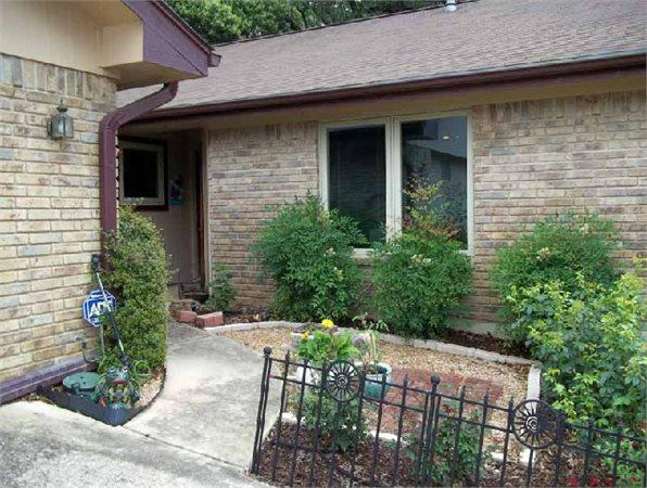 north street singles Single family 2 bedroom 1530 e north st (single family) waukesha, wi 53188 main floor kitchen- stove and refrigerator included.