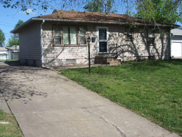 / 3br - 960ft² - Great Starter Home! (1519 Sycamore Ave ...