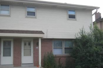 3br northside milwaukee beautifil 3 bedroom townhouse on 9623 w bradley for Three bedroom townhomes for rent