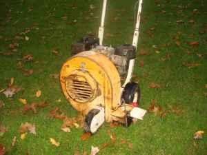 8HP leaf blower. Little wonder. - $300 (windsor