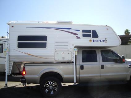 $9,900, Sun-Lite Camper Truck Topper