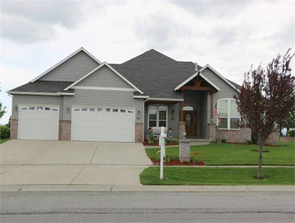 907 N Country Club Dr 4200 Sq Ft Single Family Home For