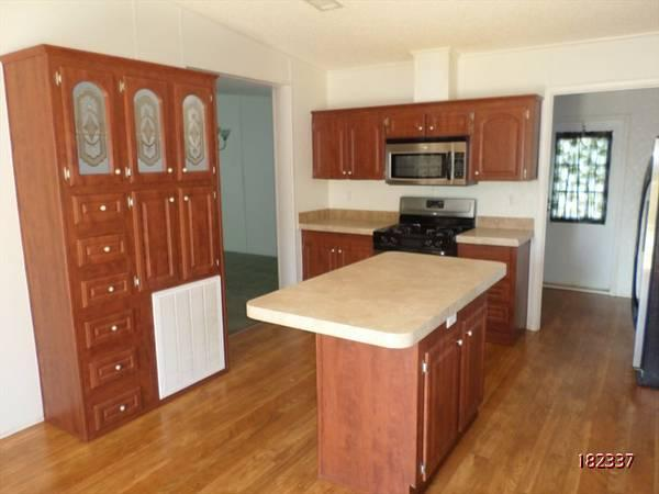 $945 / 4br - 3024ft² - Owner financing! Gorgeous 4/3 on