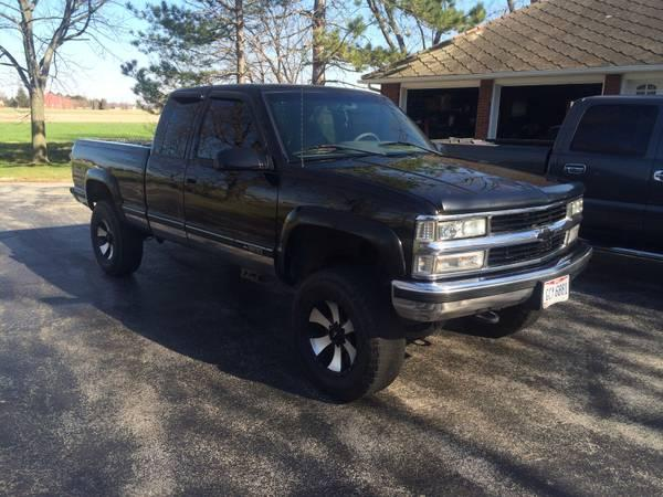Chevy Silverado Lifted For Sale >> 96 Chevy k1500 black lifted - for Sale in Oregon, Ohio Classified   AmericanListed.com