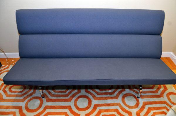 9658; Herman Miller Eames Sofa Compact   Used, Excellent Condition ◅ For  Sale In San Mateo, California