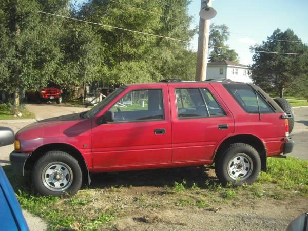 Hometown Auto Sales >> 97 Isuzu Rodeo 4x4 !!! Great winter truck! - for Sale in Beloit, Wisconsin Classified ...