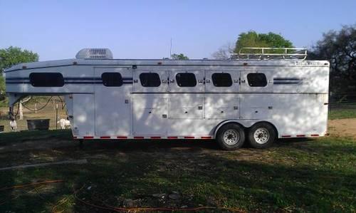 97 Trails West 4 Horse Trailer W Mangers Wknd Pkg For