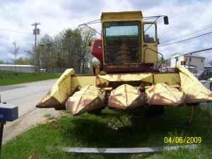 975 NEW HOLLAND COMBINE - (HIGH POINT NC) for Sale in