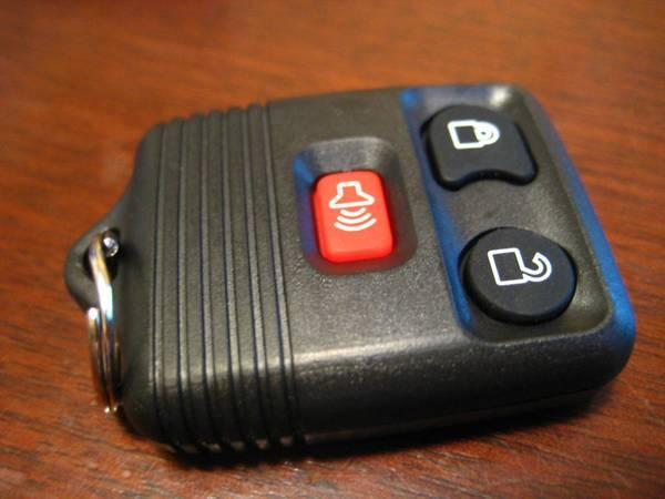 99-09 FORD KEYLESS ENTRY REMOTE - $25