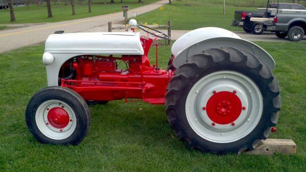 N Ford Tractor New Paint Zanesville