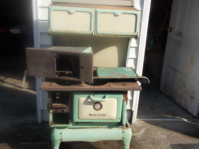 A 1920 S Muscogee Wood Burning Cook Stove For Sale For