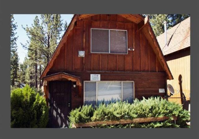 A hodge podge lodge 2 bdrm 1 bath cabin in big bear for Giant city lodge cabins