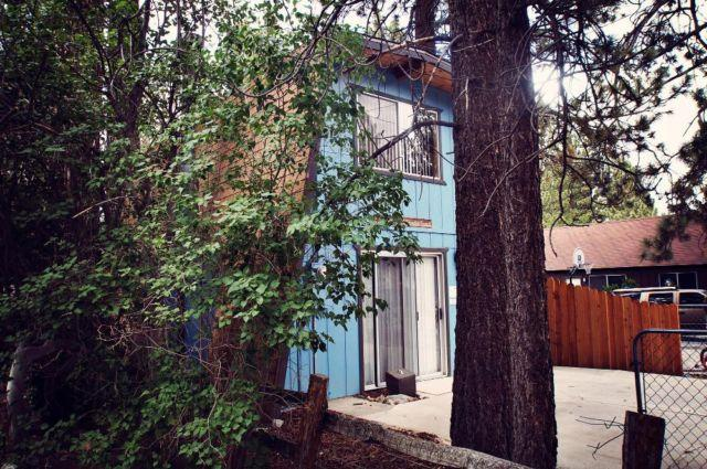 A winter wonderland 2 bdrm 1 bath cabin in big bear for Big bear 2 person cabin