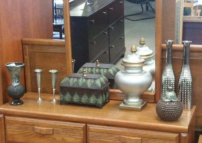 Accent Pieces McKnight Rd Pgh for Sale in Pittsburgh