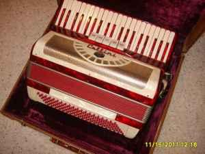 Accordion - $400 (Lincoln)