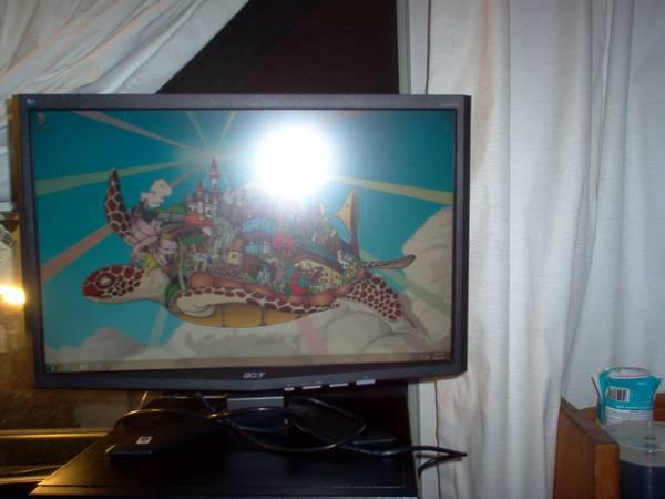 ++Acer -x223 widescreen monitor 22inches nice - $50