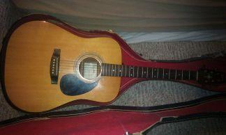 acoustic guitar - $100 (Marion)