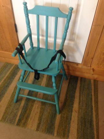 Adorable Vintage Wood High Chair in Teal Turquoise Color