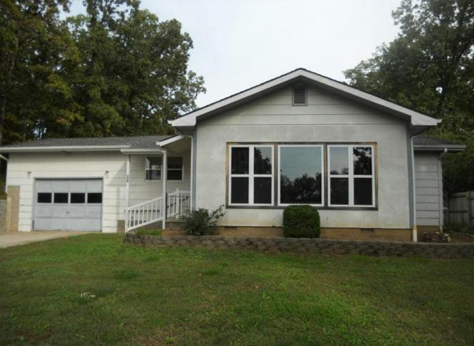 Affordable lake home for sale in shell knob missouri for Affordable lakefront homes