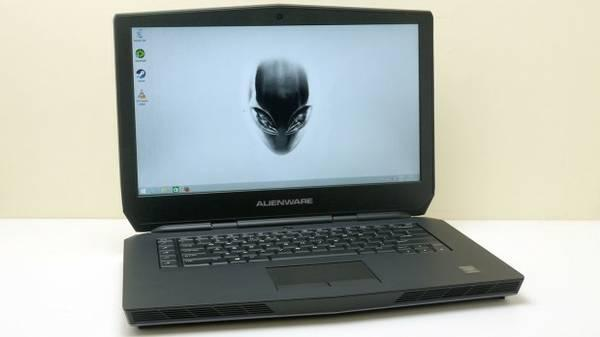 Alienware 15 Gaming Laptop - 8GB 1TB  128GB SSD GTX 965m ON WARRANTY