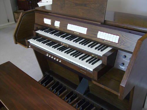 Allen Digital ADC1130T Organ with 2 Speakers for Sale in