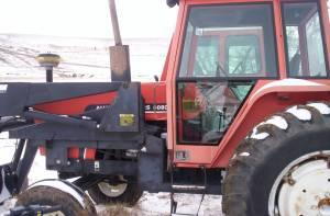 Allis Chalmers 6080 cab tractor with loader (Denison,Ia)