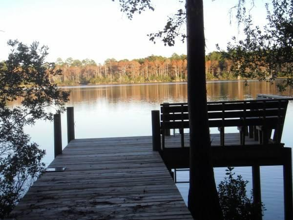 Almost 1 Ac on Private Lake / Swimming / Dock
