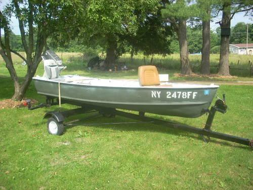 Aluminum 12 ft v bottom grumman boat for sale in for Best aluminum fishing boat for the money