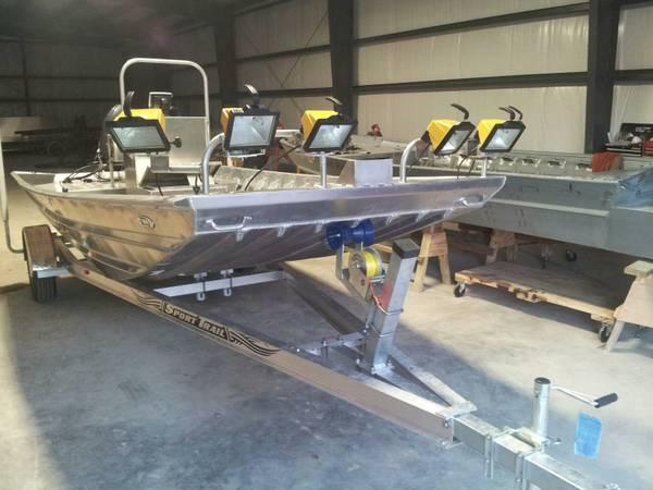 Aluminum boats custom bow fishing for sale in jonesboro for Custom aluminum fishing boats