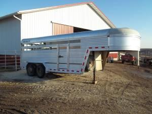 Aluminum Econolite stock trailer - $5950 (Lancaster)