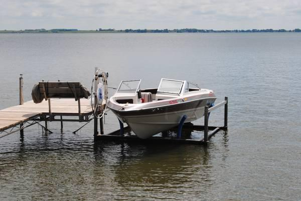Aluminum shore station boat lift and motor for sale in for Motor lift for sale