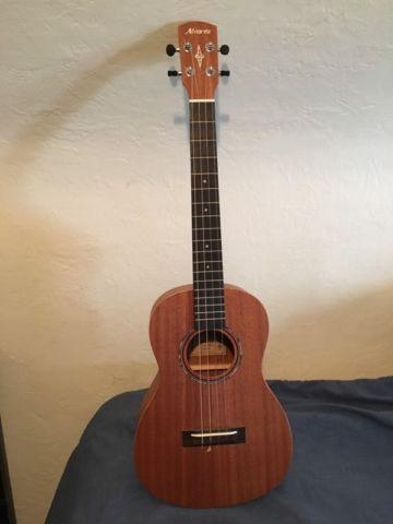 Alvarez Baritone Ukulele with Gig Bag