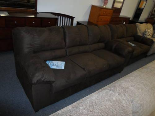 AMERICAN MADE SOFAS AND LOVESEATS For Sale In West Warwick