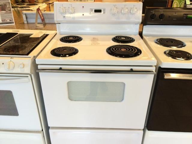 Americana White Electric Range Stove Oven Used For Sale