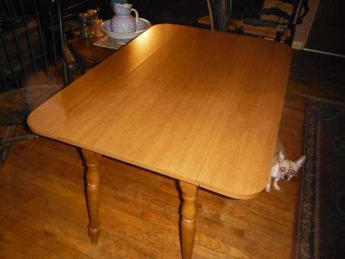 Amish drop leaf kitchen table short leafs sturdy strong for Durable kitchen table