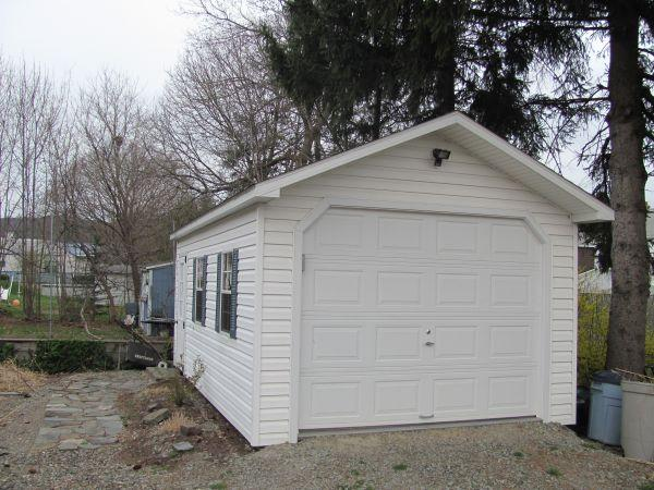 Amish GARAGE FOR SALE 12 X 20, thousands in extras included - $5700 (Endicott)