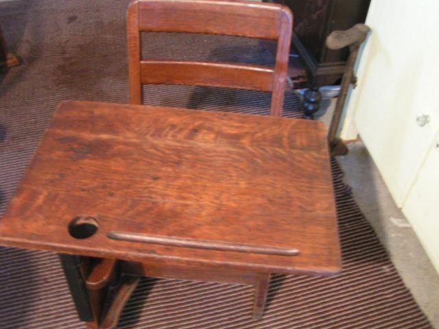 ANTIQUE--(OAK) CHILDS SCHOOL DESK - ANTIQUE--(OAK) CHILDS SCHOOL DESK For Sale In Hastings, Michigan