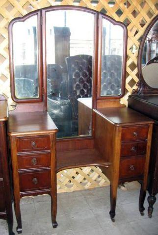 Antique 1920 1930s Vanity Desk With Trio Folding Mirror For Sale
