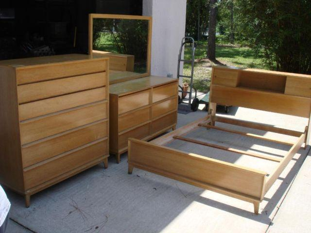 Antique 1960 S Bedroom Set Chest Of Drawers Dresser W Mirror Bed Fra