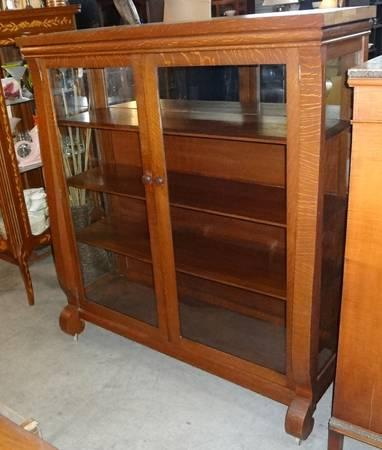 Antique AMERICAN OAK MISSION CHINA CABINET BOOKCASE